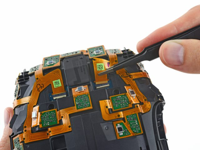参照:HTC Vive Teardown – iFixit