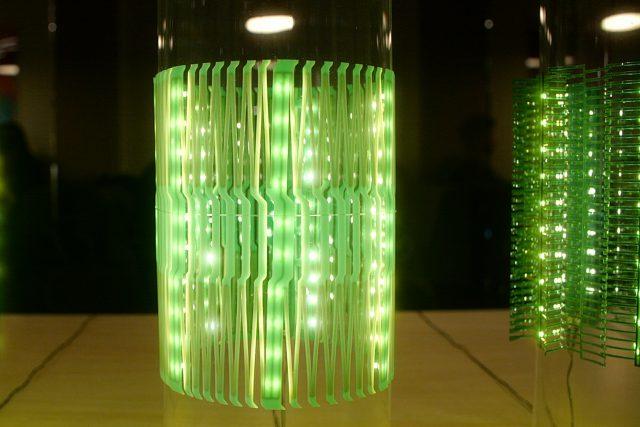天の川構造を用いた伸縮性LEDランプ