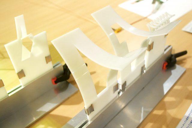 フレキシブル基板 180度折りのための巴型切り紙回路