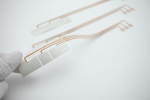 P-Flex® で作る生体電極
